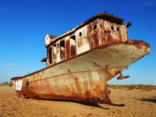aral sea ship stranded